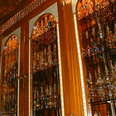 煌びやかなエジプト香水瓶のショップ